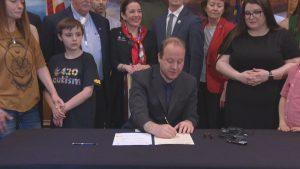 Gubernator wpisuje autyzm na listę chorób leczonych marihuaną